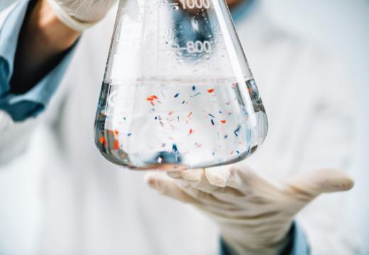 MICROPLASTICHE: COME COMBATTERLE CON LA GUPPYFRIEND WASHING BAG